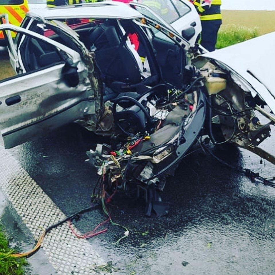 Při nehodě u Medlešic se zranilo šest lidí...
