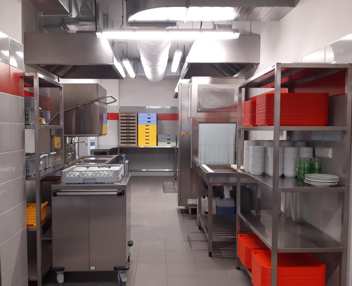Škola v Prodloužené má novou kuchyni