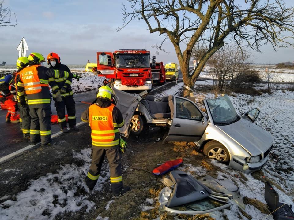 Dopravní nehoda u obce Honbice Foto: Hasiči Hrochův Týnec