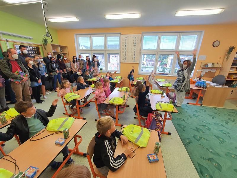 V kraji dnes přišlo poprvé do školy 5 600 dětí