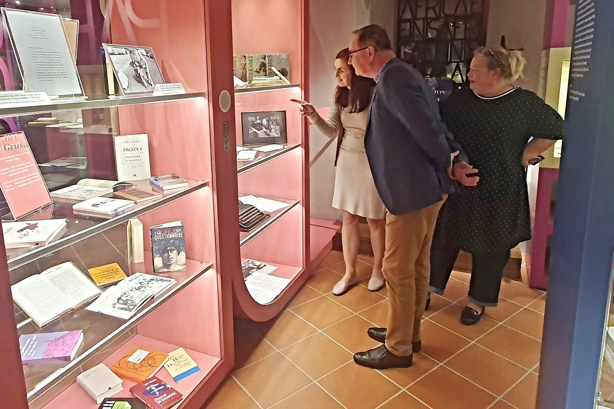 Knihovna připomíná na Přihrádku nově i básníka Petra Kabeše