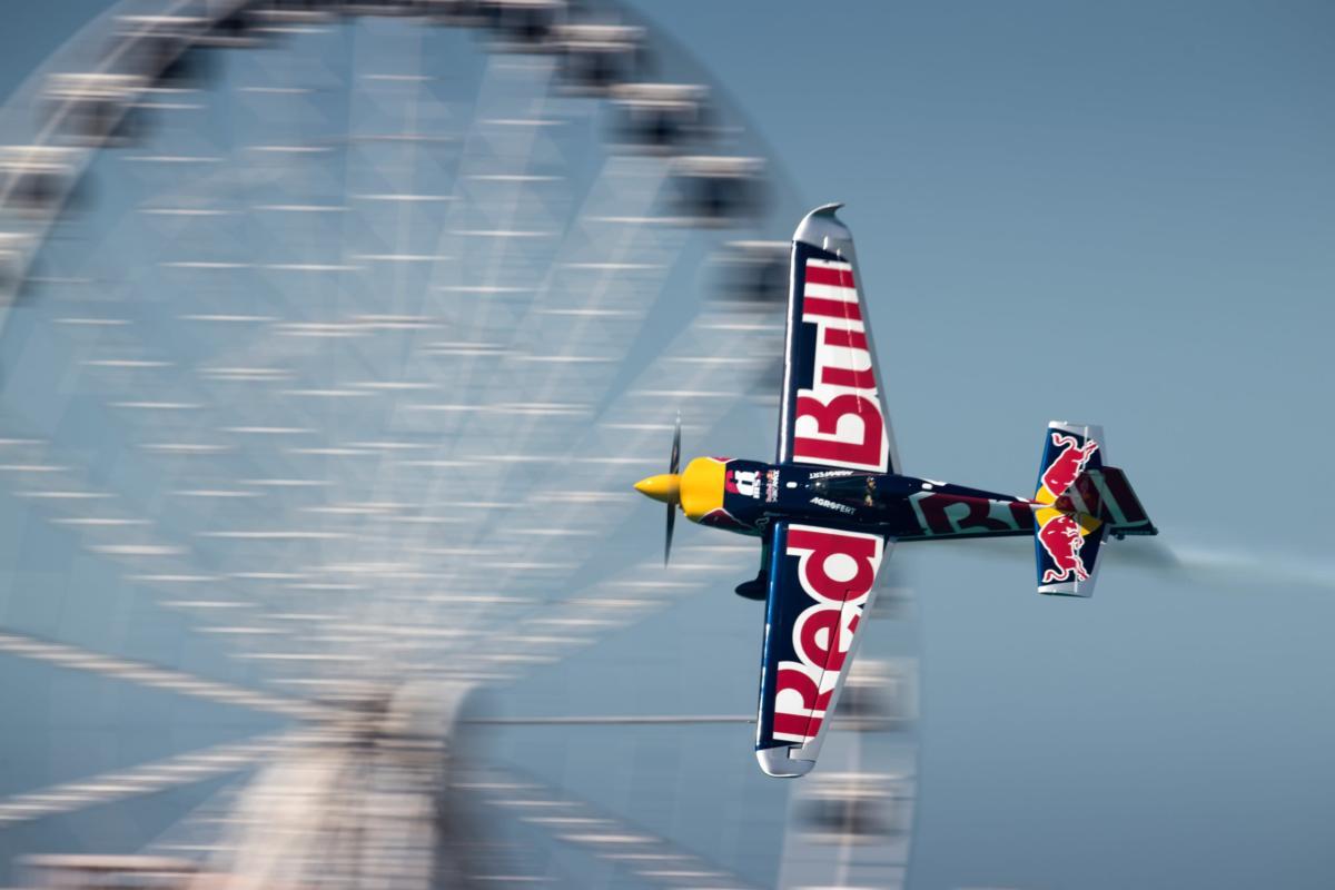 Martin Šonka úřadující mistr světa Red Bull Air Race vystoupí naAviatické pouti.