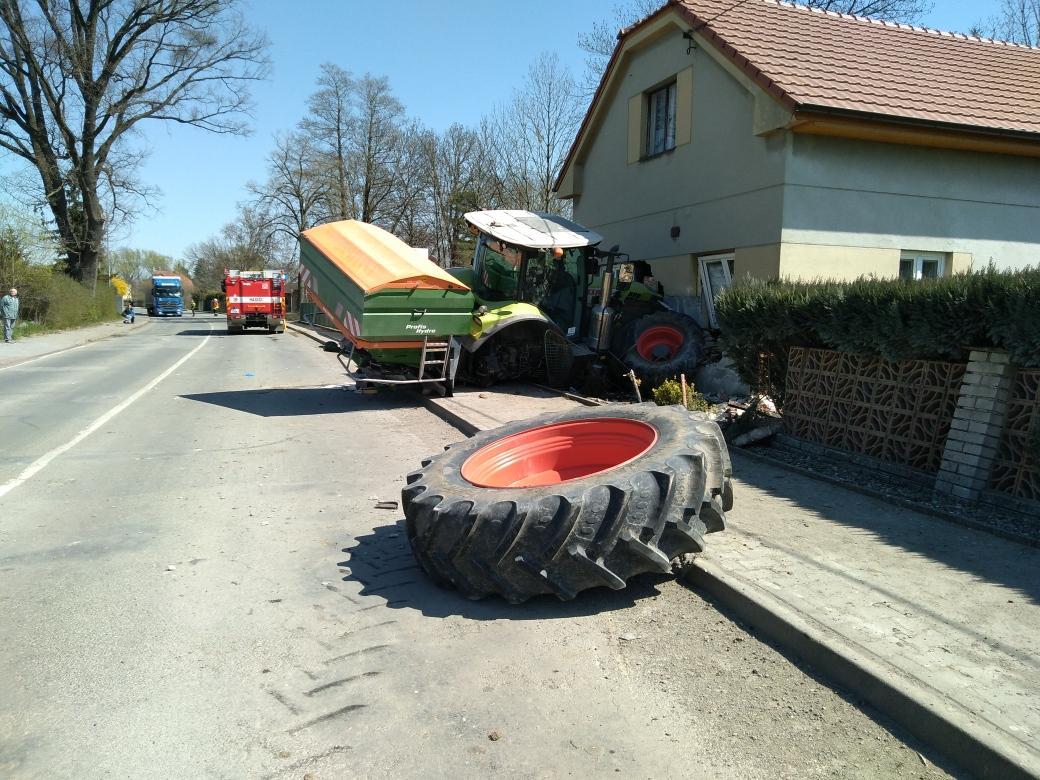 PCR DN traktor Horni Roven 2704202107