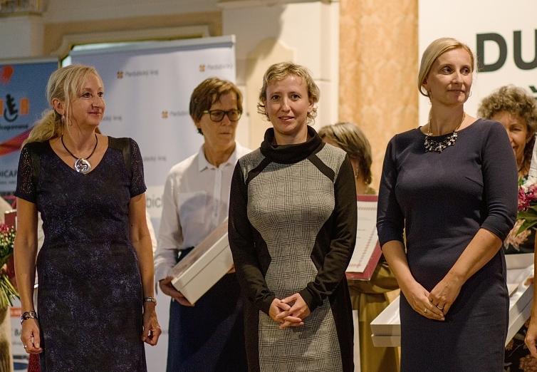 Profesionál - Hana Jarošová vpravo