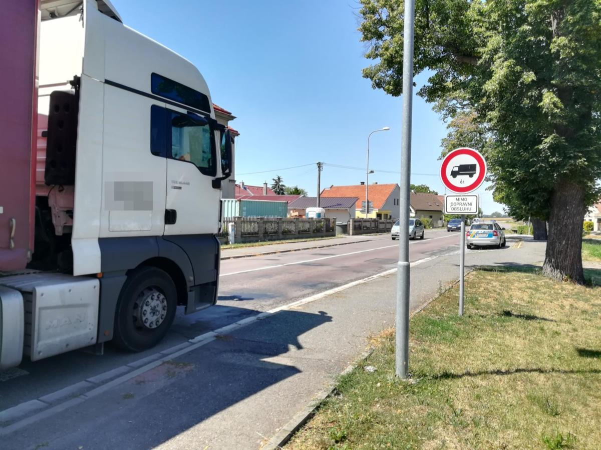 Obyvatelé si stěžují na neúnosnou průjezdnost vozidel v okolí obcí Kočí a Orel i místní částí Píšťovy.