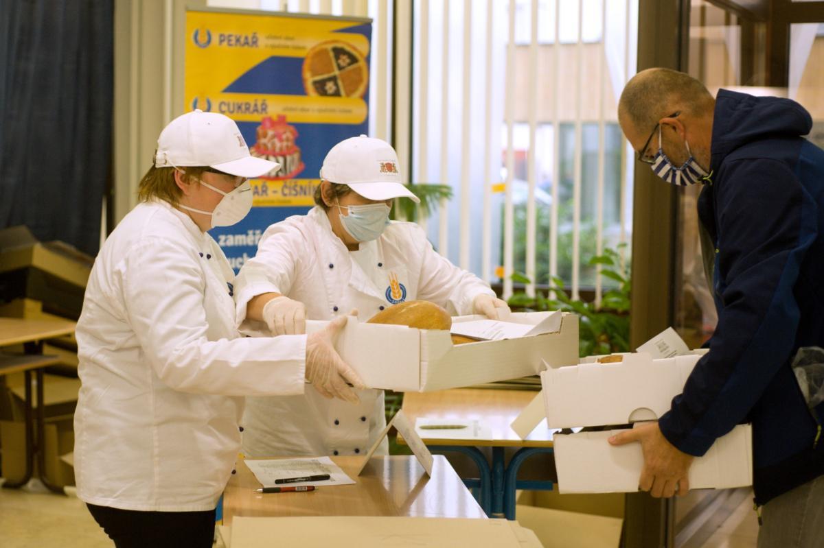 Žáci potravinářské školy hodnotili chléb