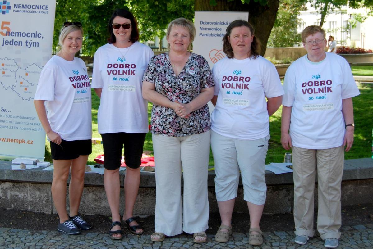 Při Dni dobrovolnictví v orlickoústeckém parku Kociánka se představilo i Dobrovolnické centrum Nemocnice Pardubického kraje.