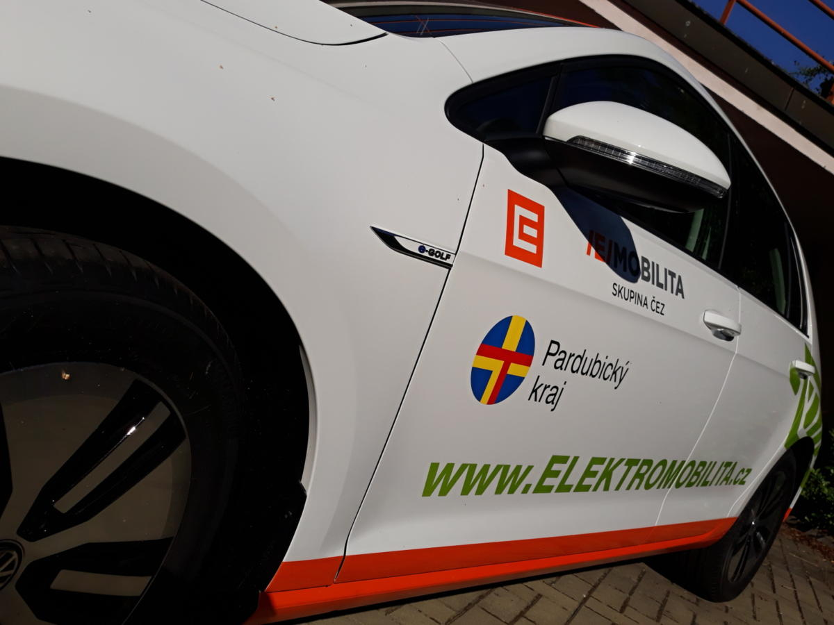 Pardubický kraj věří v budoucnost elektromobilů
