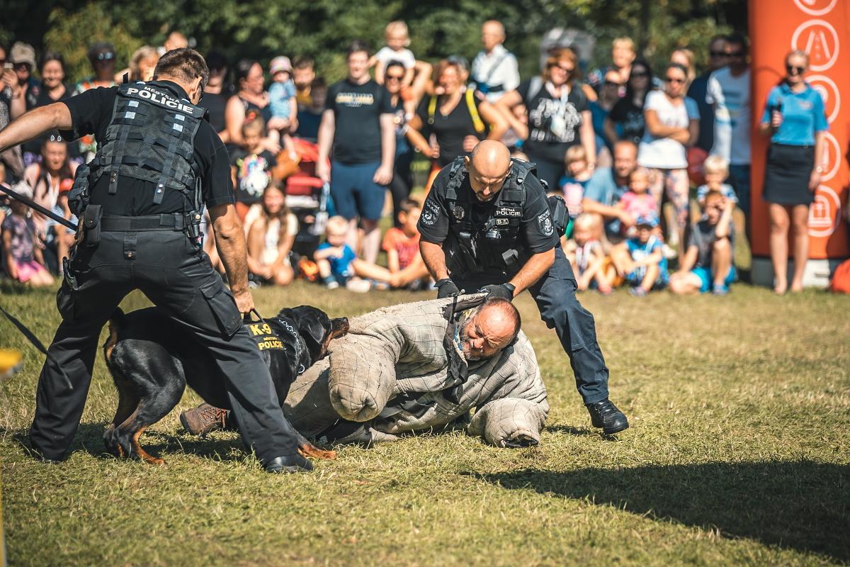 Se strážníky ve Sportovním parku Pardubice