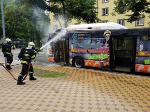 Požár autobusu v Gorkého ulici Pardubice