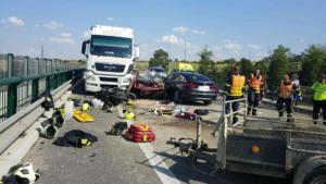 Těžká nehoda na obchvatu Chrudimi zablokovala silnici na několik hodin