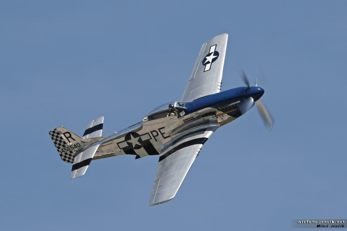 Mezi vystupujícími nebude chybět legendární americký stíhací stroj North American P-51D Mustang.