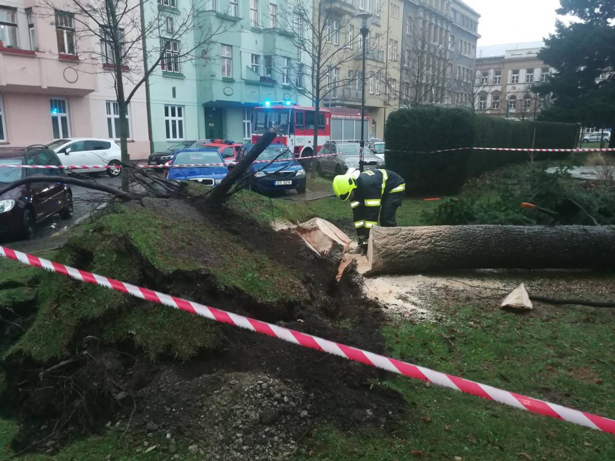 Zásah hasičů v JSDH MO Pardubice I. Náměstí Legií