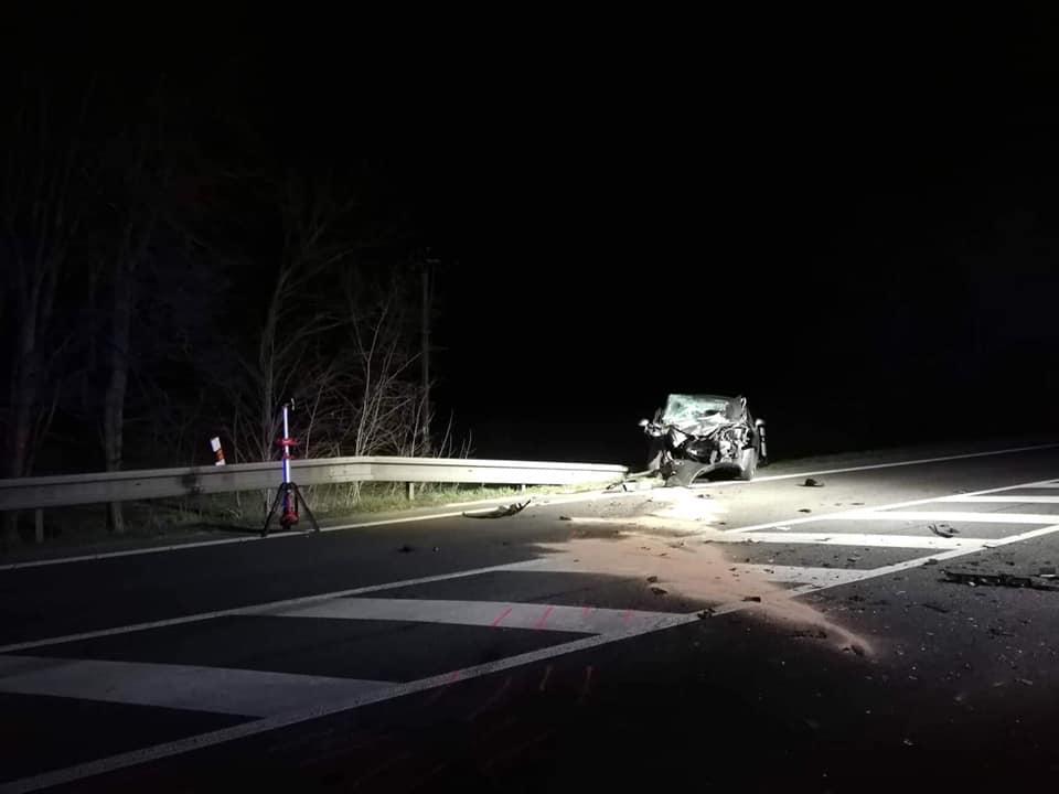 Nehoda autobusu a osobního vozu ve Slatiňanech | Foto JSDH Slatiňany