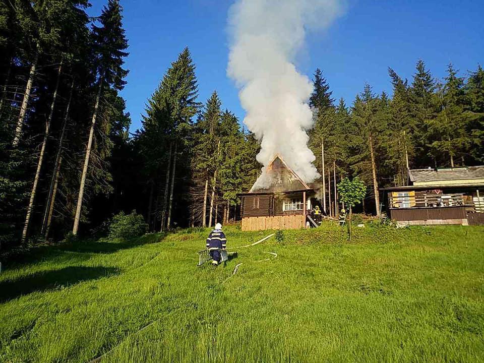 Požár chaty v Králíkách, části obce Horní Boříkovice