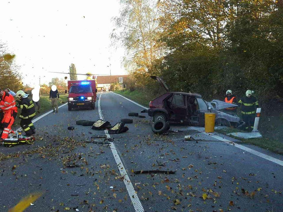Smrtelná nehoda uzavřela silnici I/35 Vysoká u Holic