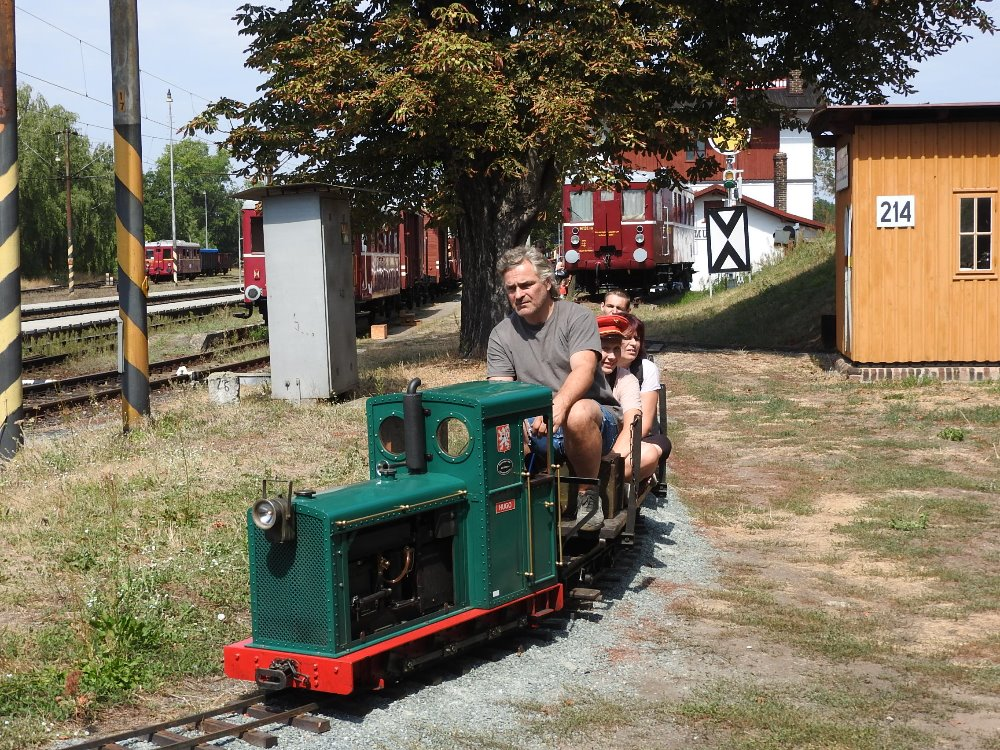 Vlaky, trolejbusy, autobus - rosické muzeum zahajuje
