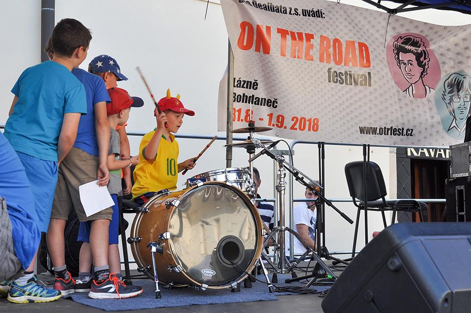 Krásný dětský den aneb Zámkohraní slibuje muziku, divadlo i hry