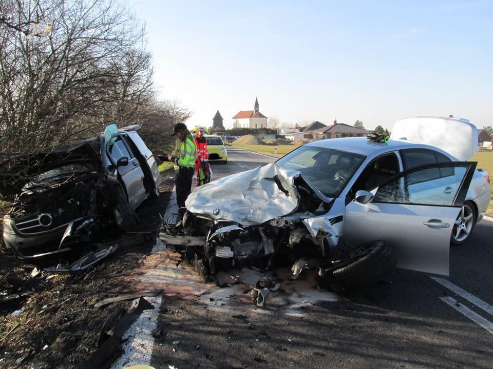 U Horních Ředic se střetla dvě vozidla Foto: JSDH Holice