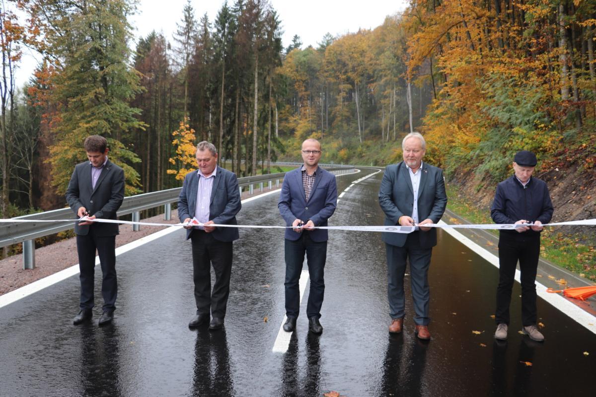Kraj dokončil opravu náročného lesního úseku z Hrádku směrem na Choceň