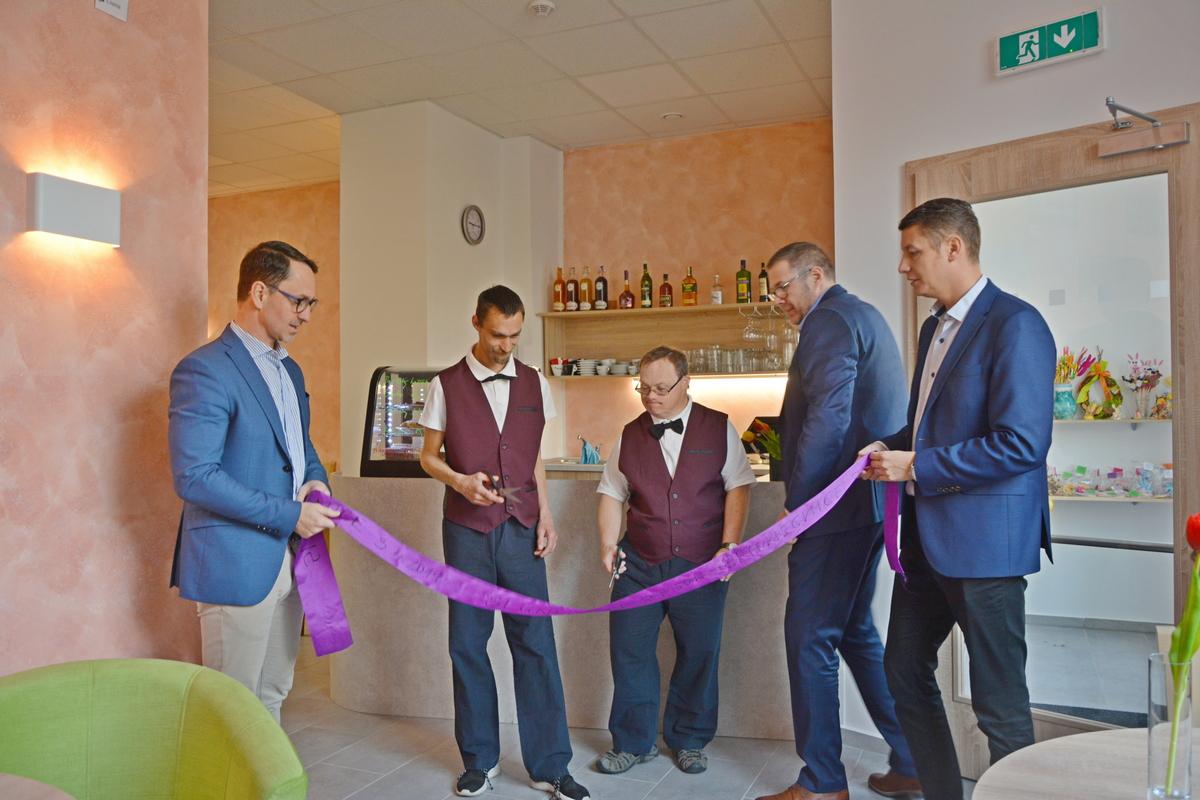 Otevření kavárny Slunečnice