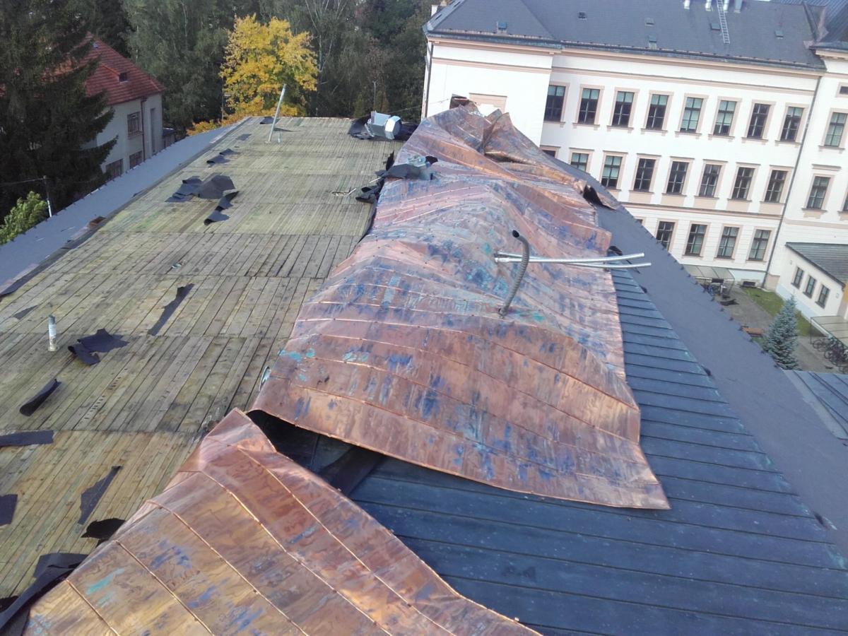 Střecha Polička