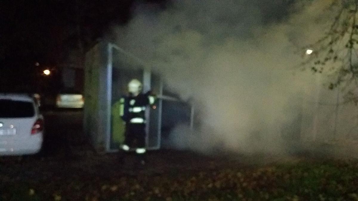 Požár kontejnerů Pardubice