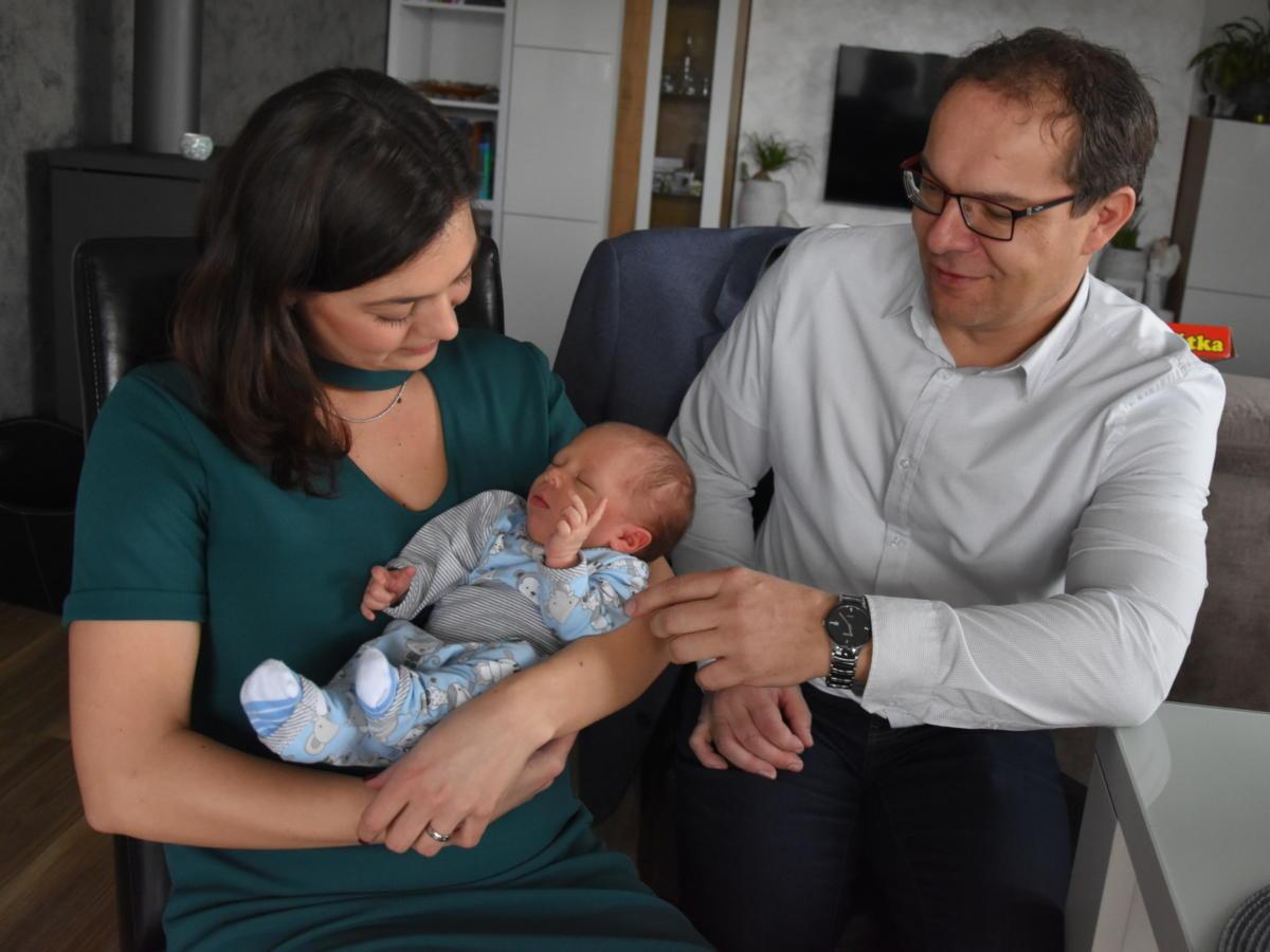 Filip se narodil v Pardubické porodnici