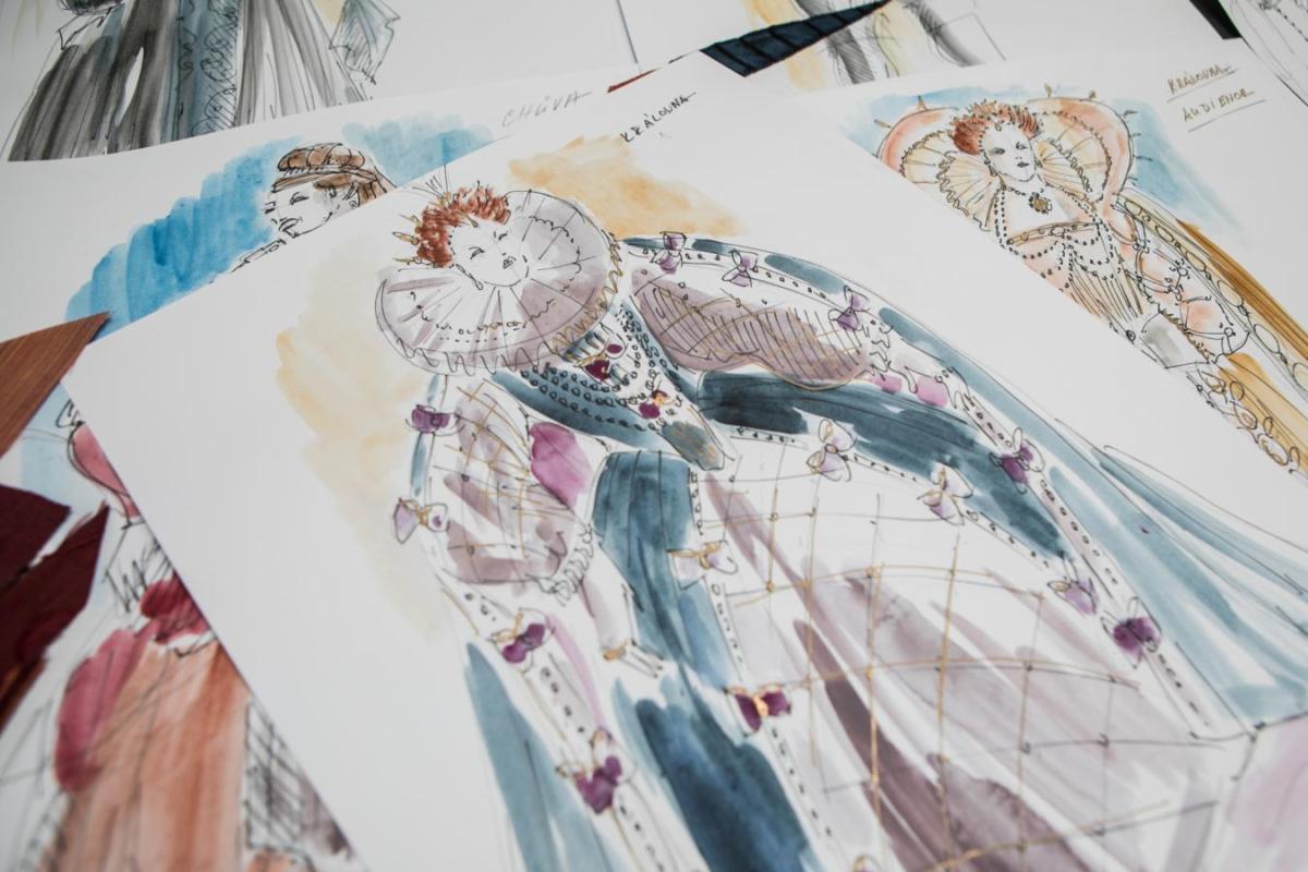 Kostýmní návrhy Romana Šolce do výpravného Zamilovaného Shakespeara