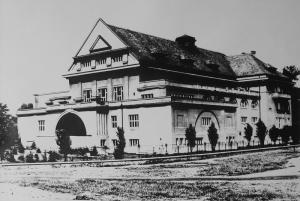 01-3-sokolovna-1923