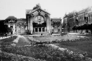 03-4-mestske-divadlo-1930