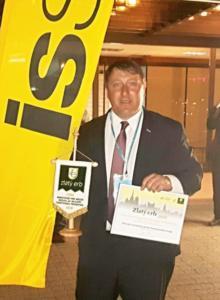 Rene Zivny s ocenenim