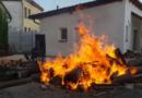 Stačilo spatřit plameny o pár minut déle a rekreační objekt byl celý v plamenech…