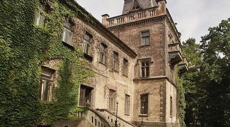 Opravy Larischovy vily pokračují. Kraj prozatím podpořil legionáře 17 miliony…