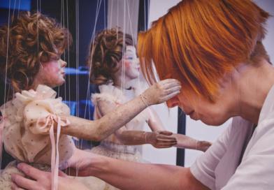 Nová výstava umožní vyzkoušet si práci restaurátorů loutek…