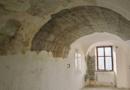Vysoušení Domu U Jonáše stále pokračuje, částečně se otevře…