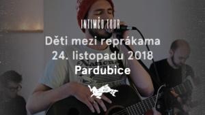 Děti mezi reprákama @ Café Bajer Pardubice | Pardubický kraj | Česko