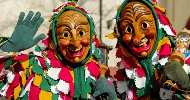 Velký karneval mezi loutkami…
