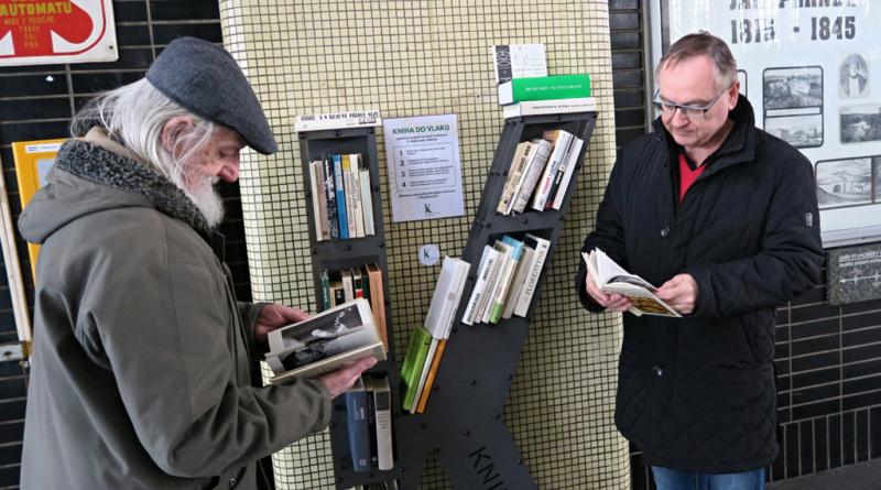 Cestu vlakem zpříjemní knihy z knihovny…