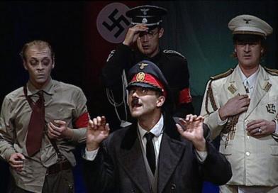 Doma u Hitlerů aneb historky zHitlerovic kuchyně…