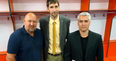 Jaromír Kverka podepsal smlouvu, Ladislav Lubina pokračuje…