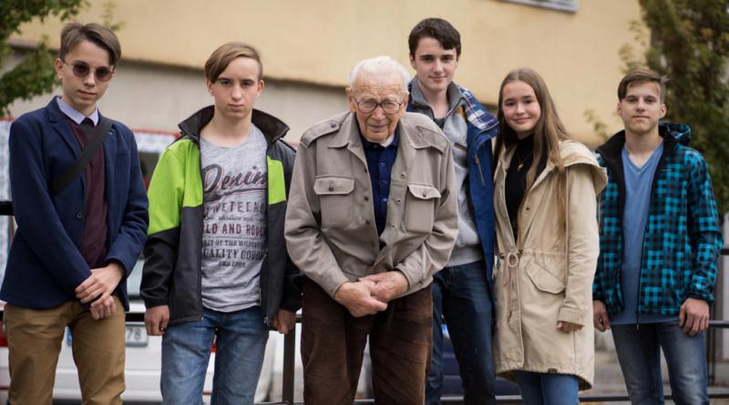 Pardubice oslaví sametovou revoluci příběhy pamětníků…