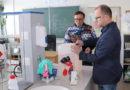 """Vyrobili jsme přes sedmdesát tisíc litrů dezinfekce, říká ředitel pardubické """"chemičárny"""" Jan Ptáček…"""