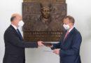 Rektor Univerzity Pardubice udělil ceny i novou plaketu mimořádným osobnostem…