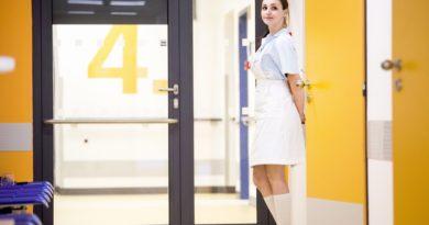 Kraj rozdělí mezi zdravotnické školy půl milionu korun od ČEPSu jako poděkování za pomoc s covidem…