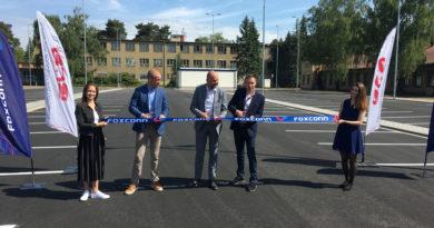 Díky firmám Foxconn a ERA vzniklo nové parkoviště pro zaměstnance…